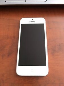 iPhone 5 white 16gb bell/virgin