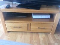 Tv and coffee table oak wood, great condition.for both 190