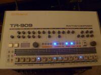 Roland Tr 909 drum machine