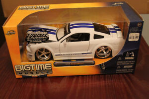 Four 2005? Mustang GT Dub City Diecast 1:24 scale