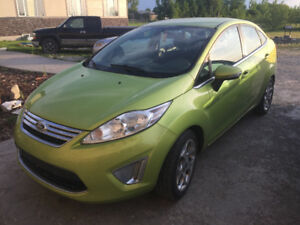 2011 Ford Fiesta SES Loaded! trades??