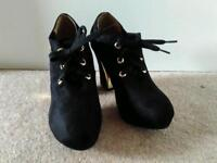 Brand New Ladies Shoes - Black, Heeled, Size 7