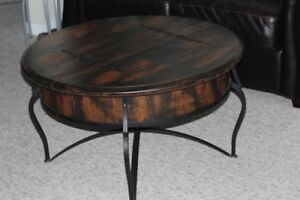 FUNICTIONAL UNIQUE COFFEE TABLE