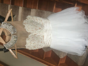 * LIKE NEW * SHERRI HILL Cocktail dress: Ivory/Nude, Size 10