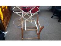 Moses basket stand and rocker