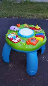Leap Frog Toodler Sit And Play Player