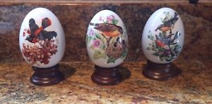 EGGS WITH STANDS DECOR
