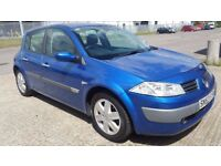 2004 (53 REG) RENAULT MEGANE 1.6 AUTOMATIC IN TOP CONDITION. LONG MOT. FULL SERVICE HISTORY. 2 KEYS