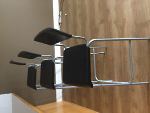 3 kitchen counter chairs
