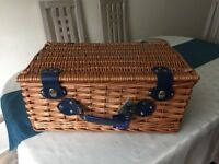 Fully equipped picnic basket