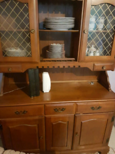 Chine cabinet very good shape
