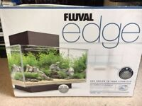 Fluval Edge 23l with heater