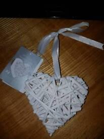 Mini wicker hanging Love hearts