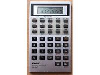 Vintage and Retro - Casio fx-68 Scientific Credit Card Calculator - ULTRA RARE
