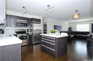 Stunning top floor 2bed/1bath condo for sale! A must see!