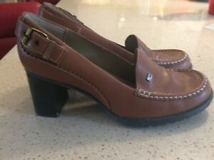 Tommy Hilfiger pumps, size 8