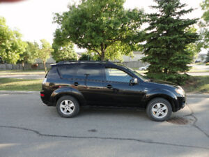 2008 Mitsubishi Outlander family vehicle SUV, Crossover