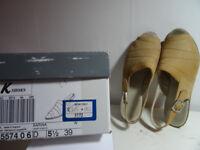 Clarks K Sarina flat shoes size 5.1/2 (39)