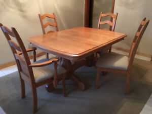 Sherman Oak Dining Room Table -4 Chairs