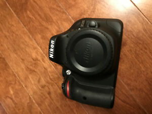 Nikon D5200 with AF-S DX NIKKOR 18-55mm VR II Lens Kit