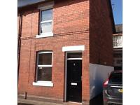 Immaculate 1x double bed room whole terrace House in Newtown Chester, suit Professional couple.