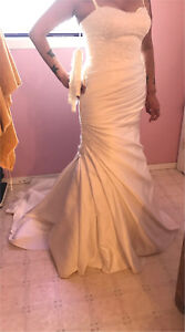 Beautiful Wedding dress never used only tried on