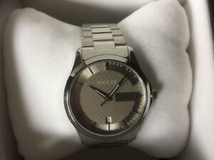 Men's Gucci watch brand new in box