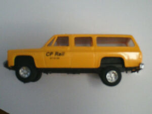 HO scale CP Chevy Suburban for electric model trains
