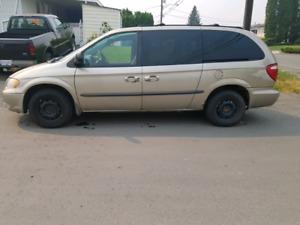 2002 Dodge Grand Caravan $ 800.00 o.b.o