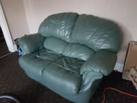 modern style settee 2 seater sofa in Leather, excellent condition