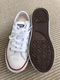 Converse white leather shoes size 11.5 kids