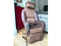 Rise and recline electric chair (brand new / never used)