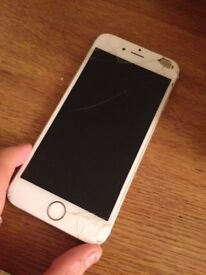 White Smashed iPhone 6, fully working, just needs screen replacement.