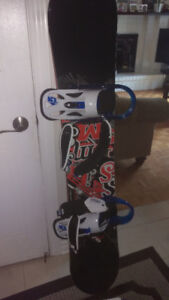 Snowboard only used 4 times / Utiliser que 4 fois
