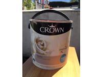 Crown liqueur colour paint