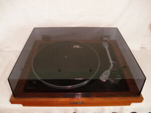TURNTABLE BY PIONEER PL-A35 STEREO in a WALNUT BASE