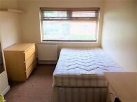 Clean and well kept room available in house share - St Anne's Close - LS4