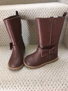 Size 6 brown baby gap boots