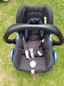 Maxi cosi cabriolet car seat from birth great used condition