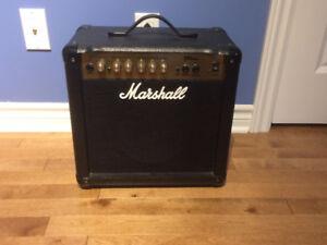 Ampli Marshall MG15CD 15 WATTS