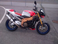Aprilia Tuono Factory Spec 2007 Full Service History New Tyres, chains and sprockets