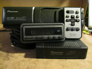 NICE PIONEER 6 DISC CD CHANGER CDX-FM687 FM MODULATED