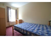 STRATEGIC LOCATION , NICE YOUNG FLATMATES /// SPACIOUS SINGLE ROOM