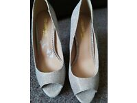 Champagne sparkling size 7 4 inch heels never worn
