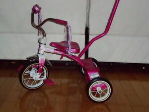 Tricycle full métal ROSS avec pousseur Tricycle impeccable