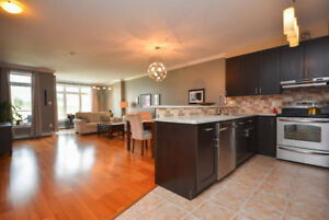 BEAUTIFUL, RENOVATED CONDO in LARRY UTECK AREA