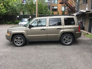 JEEP PATRIOT 2008, TOIT OUVRANT,  BAS KM, EXCELLENTE CONDITION