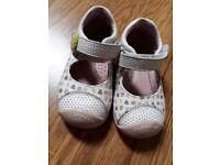 Garvalin shoes size 21 (4.5)