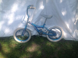 Kids blue and white bike 30$