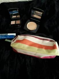 SELECTION OF NEW AVON MAKE UP ITEMS + NEW MAKE UP CASE